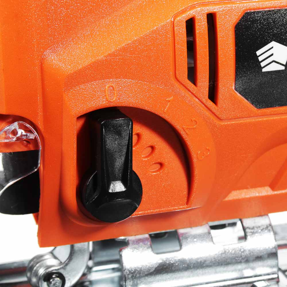 ЕРМАК Лобзик электр. ЛЭ-570/Б, 570Вт, б/з патрон, рег. скорости, 800-2800 ход/мин, маятн. ход