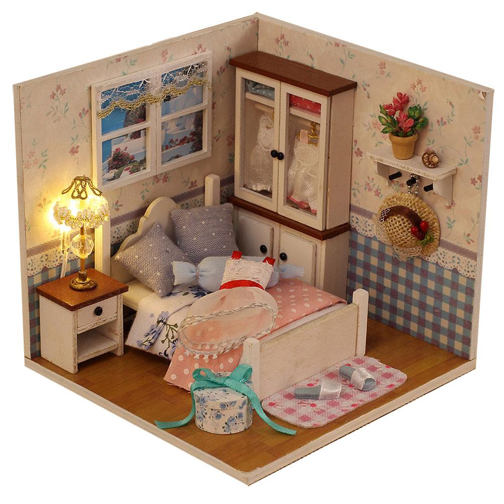 Миниатюрная комната, сборная: свет, 100-120дет., клей, дер., текст., 11,5х11,5х12см, 2-4 дизайна
