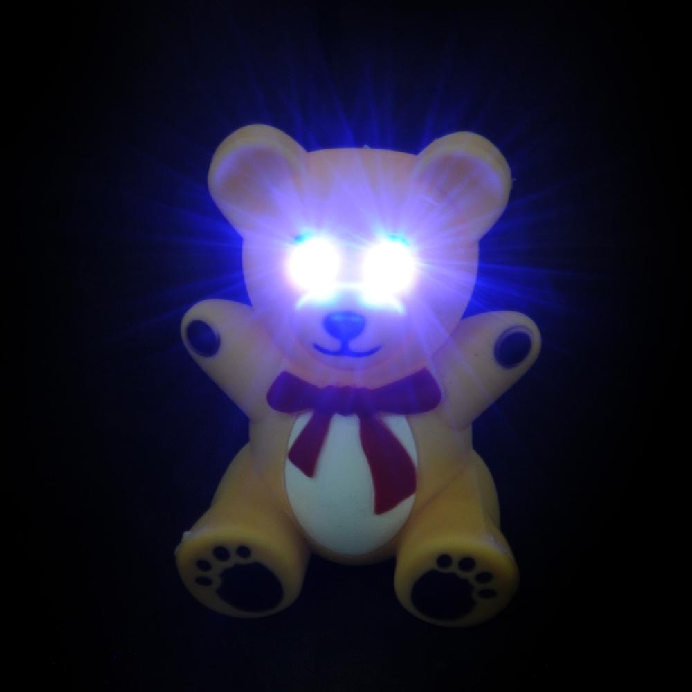 Брелок в форме мишки, свет, звук, пластик