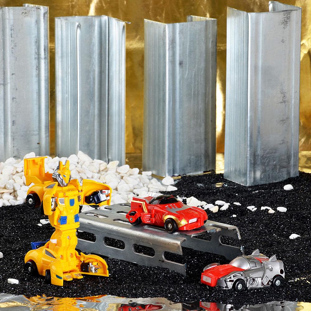 Набор роботов- машинок Страйк, пластик, 19,5х20,5х7,5см, 3 дизайна
