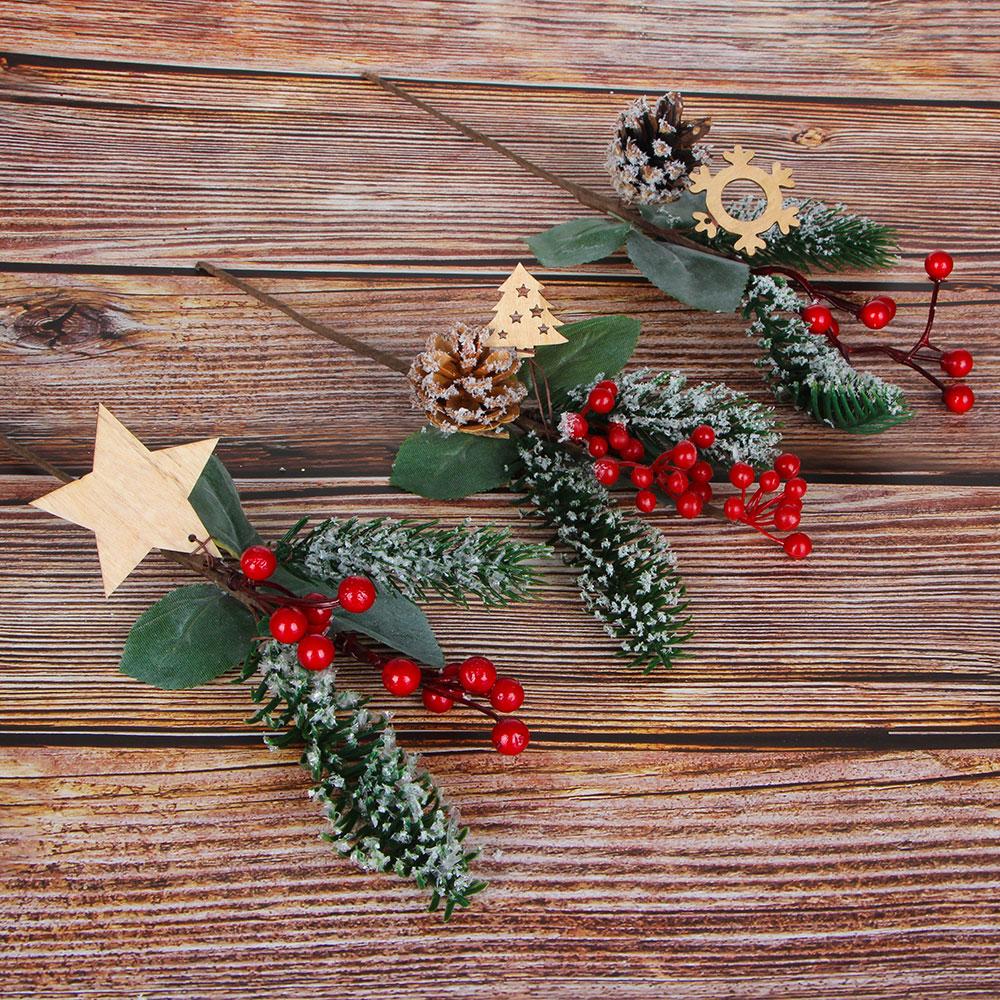 Ветка декоративная еловая с красными ягодами СНОУ БУМ 30 см, пластик, дерево, 3 дизайна
