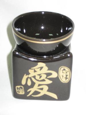 536-017 Аромалампа чаша на кубе, 2цв: белая и черная матовые с иероглифом 2HA0PB-25