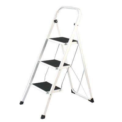 465-032 VETTA Стремянка для дома с антискольз. ступенями 3 ступ. высота 70см макс нагрузка 150кг. вес 5,75кг