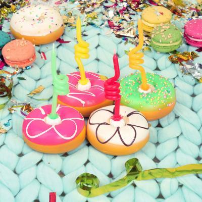 889-022 Свечи для торта витые 4 шт, 4 цвета