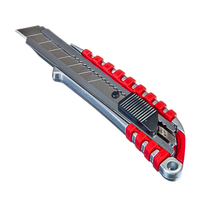 685-005 FALCO Master Нож металлический усиленный с сегментированным лезвием 18мм (квадратный фиксатор)