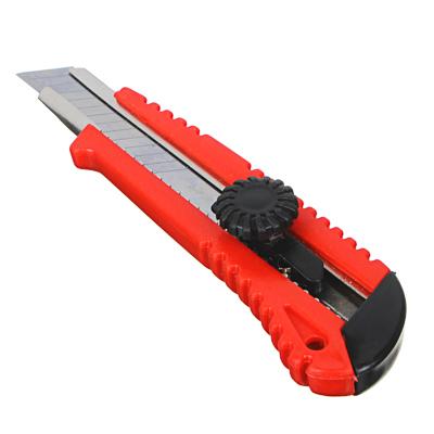685-011 FALCO Нож универс. усиленный с сегментированным лезвием 18мм (круглый фиксатор)