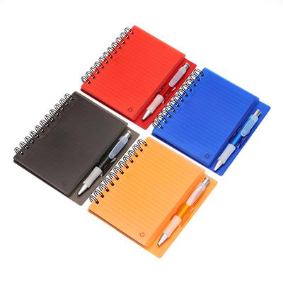 524-070 Записная книжка с ручкой, 70 л, линейка, 16х13,5см, пластик, бумага, 4 цвета