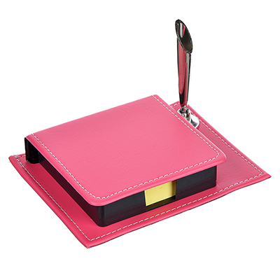 526-444 Набор: блок для записей с клеевым краем 140 л + подставка для ручек+календарь, 11х8,5 см, 8 дизайнов