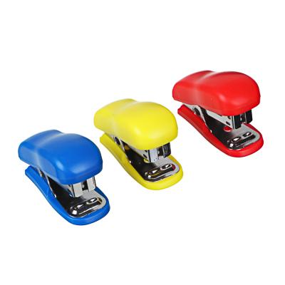 526-505 Степлер малый №24/6 6,5x3,8 см для скоб, 3 цвета