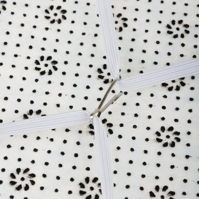 482-571 Сидушка на стул круглая, с противоскользящим покрытием, d33см