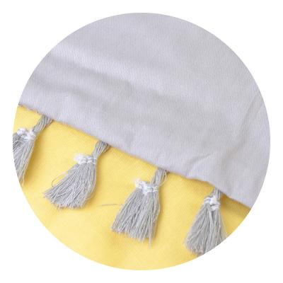 497-021 Декоративная наволочка для подушки с помпонами, 40х40см
