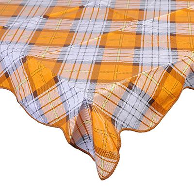 479-234 VETTA Скатерть виниловая тиснёная с каймой, 137х182см, клетка оранж