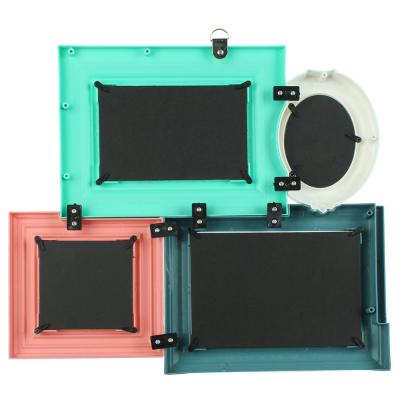 424-004 Фоторамка на 4 фотографии цветная, пластик, 35,5х40х3,3 см
