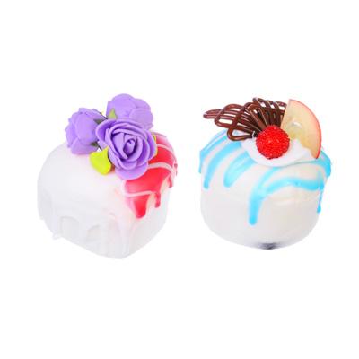 297-034 LASTIKS Мялка в виде пирожного на магните, 5-7 см, 2 дизайна