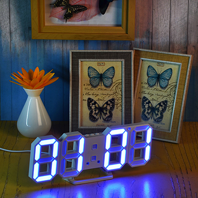 529-155 Часы электронные, пластик, 24х9х4 см, питание USB, CR 2032, голубой
