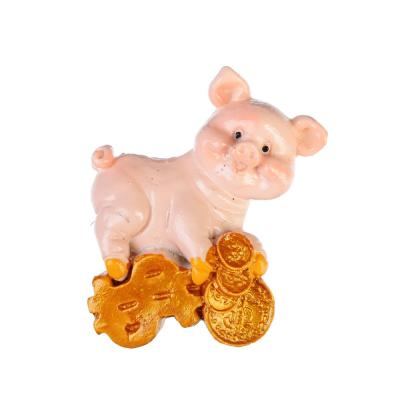 359-693 СНОУ БУМ Магнит в виде свинки на удачу, полистоун, 4 дизайна