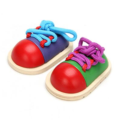 262-420 Шнуровка развивающая в виде ботинка, дерево, 5,5х10х3см, 2 цвета