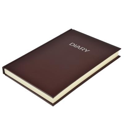 572-006 Недатированный ежедневник А5, 320 стр., ПВХ, бумага, твердая обложка с поролоном, коричневый, пакет