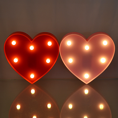 544-027 Светильник LED в виде сердечка, 2хАА, 2 цвета, 15х16,5х3 см