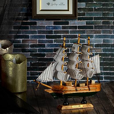 597-154 Корабль интерьерный, дерево, 22х21 см