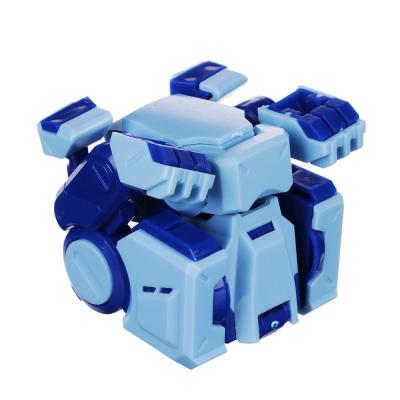 296-052 ИГРОЛЕНД Робот трансформирующийся карманный в виде динозавра, пластик, 8х5х8см, 3 дизайна