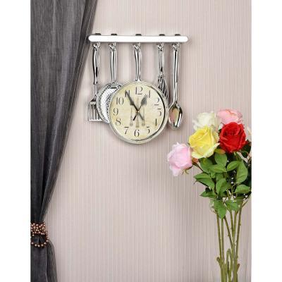 581-785 Часы настенные в форме столовых приборов, 1хАА, 32х31,5 см, золотые и серебряные