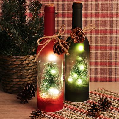 544-034 Светильник светодиодный Бутылка с елочками СНОУ БУМ 7,3х29 см, стекло, 3xAAA, без батареек, 2 цвета
