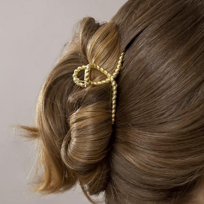 321-313 BERIOTTI Краб для волос, биж.сплав, 6,8-7,8см, 6 дизайнов